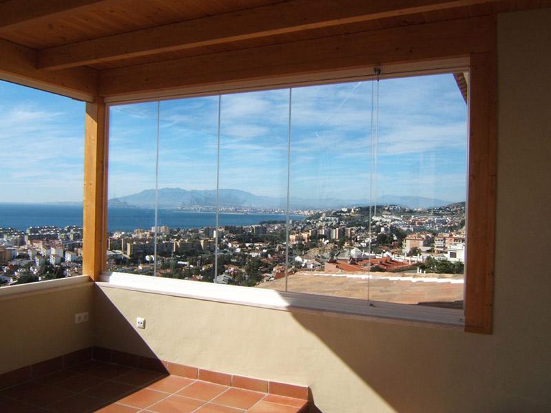 Vetrate panoramiche solo vetro infarm realizzazione - Vetrate per esterni ...
